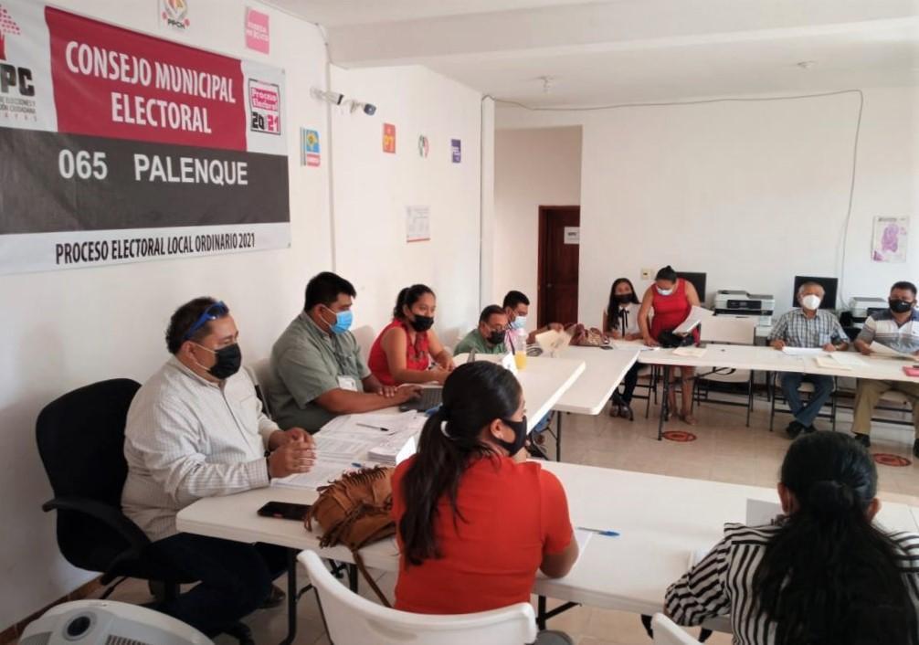 El IEPC reconoce el trabajo y compromiso de integrantes de consejos distritales y municipales
